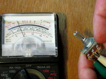 How to read resistance with an analog meter
